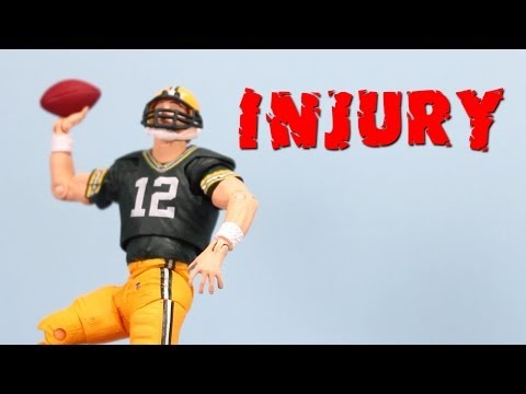 Aaron Rogers Fractures Collarbone injury MNF Bears vs Packers видео