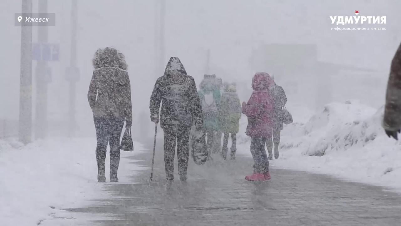 Снегопад в Ижевске (29 марта)