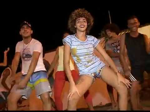 Grupo de swigueira apresenta os rits do carnaval