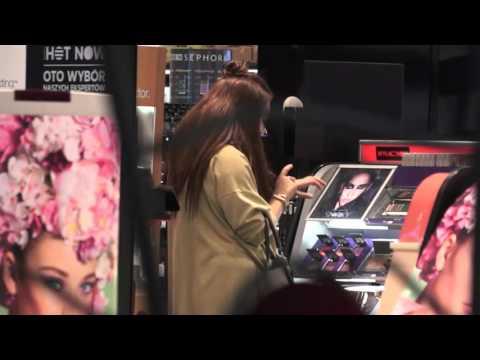 Ewa Farna kupuje kosmetyki