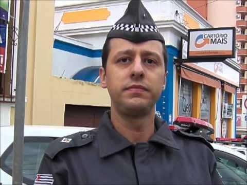 Policial a paisana detém irmão de detento após ameaça