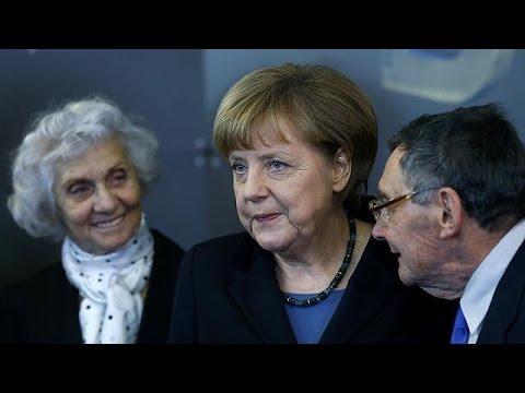 Angela Merkel Yahudi soykırımı anma töreninde konuştu