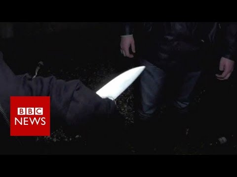 On a knife edge: The rise of violence on London's streets - BBC News (видео)