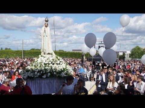 Đức Thánh Cha Phanxicô lần hạt Mân Côi cùng hàng triệu tín hữu tại Fatima