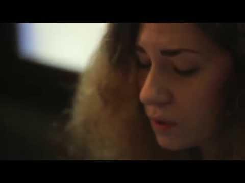 Frida Eklund - Hur ska det sluta / Wallpaper tunes in Sandy Bell's