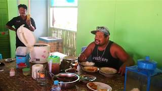 Video Si Raja Badok 10 / Makan Siang Di Warung Persatuan Sopir Truk Indonesia MP3, 3GP, MP4, WEBM, AVI, FLV Oktober 2018