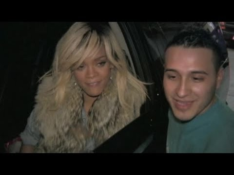 Celebrity Bytes: Rihanna's £5 Million Price Tag For Christmas Appearance – Splash News
