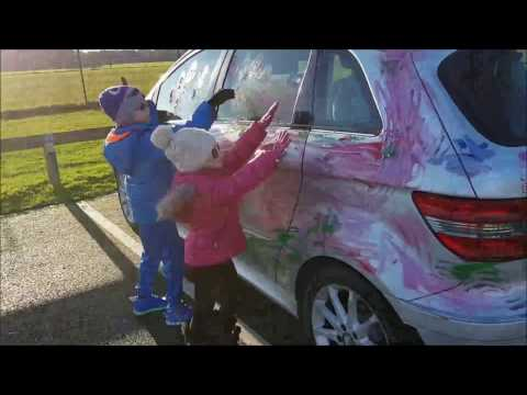 Video Kids have Fun Painting Parents Car download in MP3, 3GP, MP4, WEBM, AVI, FLV January 2017