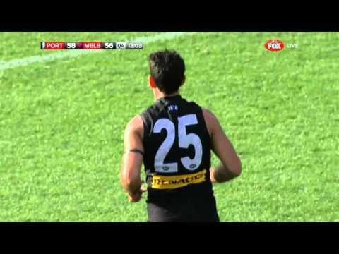 Cruel bounce for Cassisi - Round 18, 2014 v Melbourne