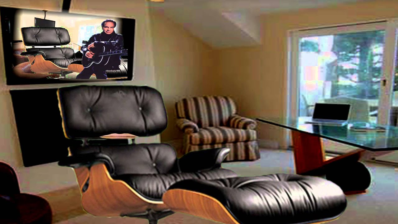 Neil Diamond\'s Chair Finally Speaks