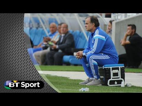 his - Marseille boss Marcelo Bielsa goes to take a seat on the drinks cooler and sits right on top of a scalding cup of coffee. His reaction is priceless! Subscribe: http://bit.ly/17YTeL5 Twitter:...