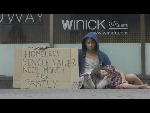 你會想幫助『帶著女兒無家可歸的單親爸爸』還是『菸酒毒品成癮的街友』?