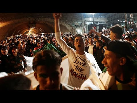 Algerien: Präsident Bouteflika ist zurückgetreten - T ...