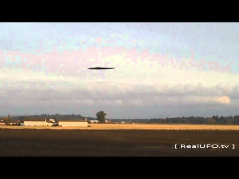 Alien UFO Sighting 2012 Craft Caught On Tape Today Over Seattle, WA More Shocking Videos This Week