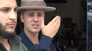 Video Celebrities Getting Angry With The Paparazzi Compilation 11 MP3, 3GP, MP4, WEBM, AVI, FLV Desember 2018