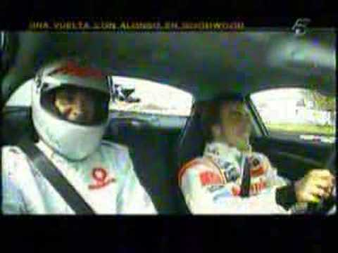 Alonso a bordo del SLR McLaren