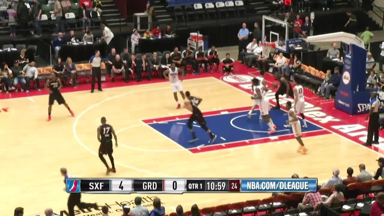 Larry Drew posts 16 points & 10 assists vs. the Drive, 4/1/2015