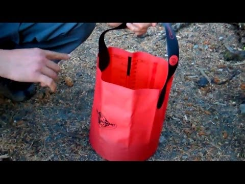 Sea to Summit Folding Bucket Review - Best backpacking bucket