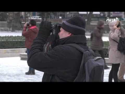 سقوط المزيد من الضحايا بسبب موجة البرد في أوروبا (فيديو)