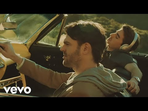 The Chainsmokers – Don't Let Me Down ft. Daya