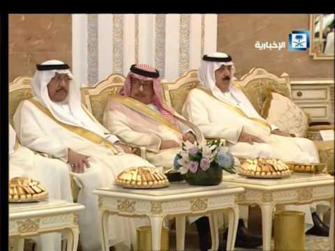 #فيديو : مشعل الحارثي يلقي قصيدة حماسية بعنوان يا وطن أمام الملك سلمان