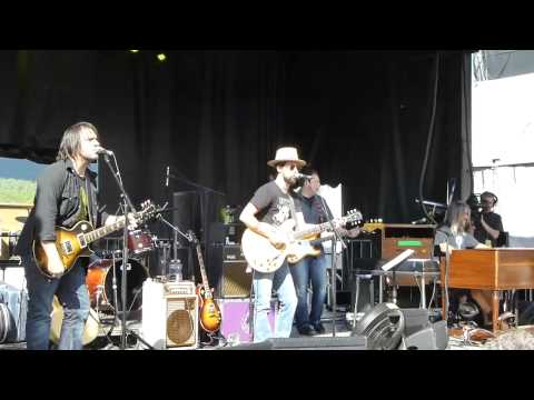 Jackie Greene w Jeff Chimenti I'm So Gone –  6-9-13 Mountain Jam, Hunter Mt, NY