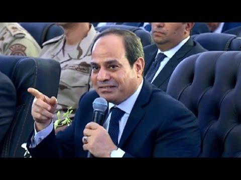 الرئيس السيسي يفتتح عدة شون وصوامع لتخزين القمح