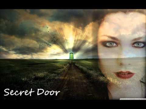 Tekst piosenki Evanescence - Secret Door po polsku