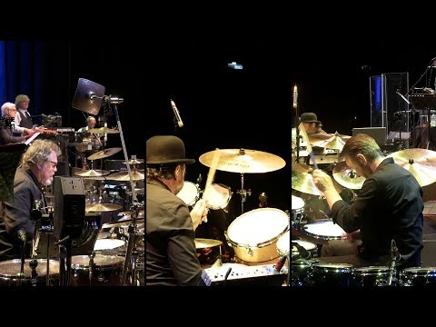 King Crimson - Indiscipline - Live in Mexico City online metal music video by KING CRIMSON