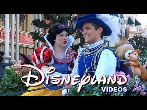 disneyland paris: magic parade