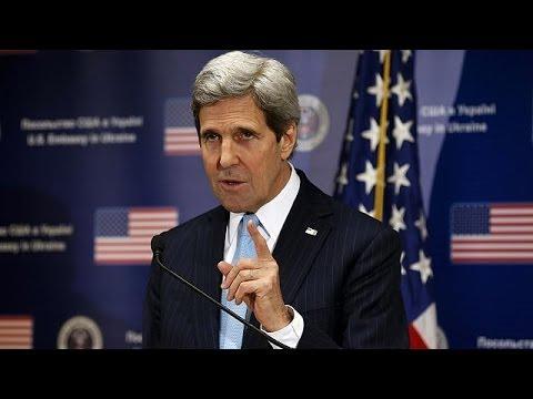 """Ukraine : """"la Russie risque l'isolement"""" prévient Kerry"""