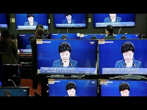 Ν. Κορέα: 100.000 διαδηλωτές ζητούν την παραίτηση της Παρκ Γκουέν Χάι – world