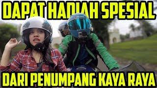 Video Dapat Hadiah Spesial Dari Penumpang Kaya Raya | Bro Omen MP3, 3GP, MP4, WEBM, AVI, FLV Januari 2019