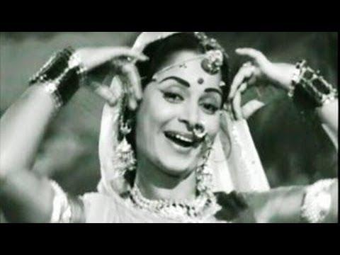 Video Paan Khaye Saiyan Hamaro - cover by Meenakshi download in MP3, 3GP, MP4, WEBM, AVI, FLV January 2017