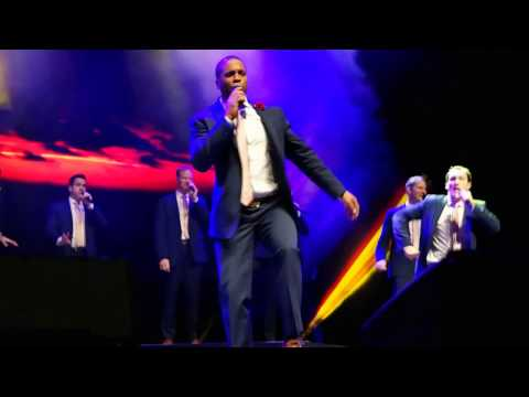 Straight No Chaser Chicago 12/17/16: Sitting on the Dock of the Bay / Proud Mary