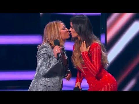 Dra. Ana María Polo besa a Catherine Siachoque en los Billboards 2018!