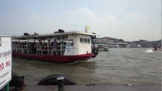 バンコク市内観光チャオプラヤー川の渡し船