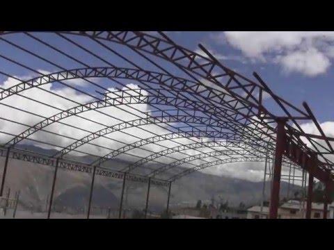 CONTINÚA LA CONSTRUCCION DE LA LOSA DEPORTIVA CON GRASS SINTETICO DE MICAELA BASTIDAS