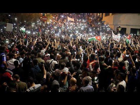 Σε οικονομολόγο η τύχη της Ιορδανίας εν μέσω κοινωνικής αναταραχής…