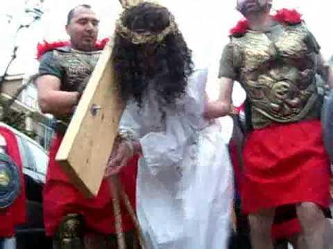 Video Jesus walks in East Somerville on Good Friday 2009 download in MP3, 3GP, MP4, WEBM, AVI, FLV January 2017