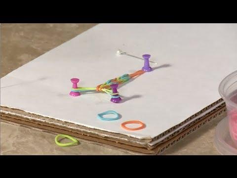 "Sophie's Monday Bonus: How to Make a ""Fishtail"" Rubber Band Bracelet"