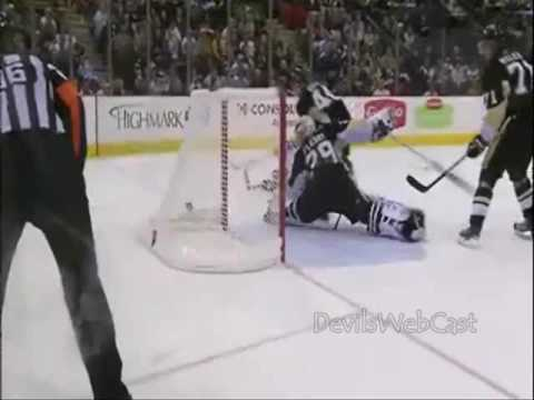 Zach Parise Great Backhand Goal vs Penguins 10/24/2009