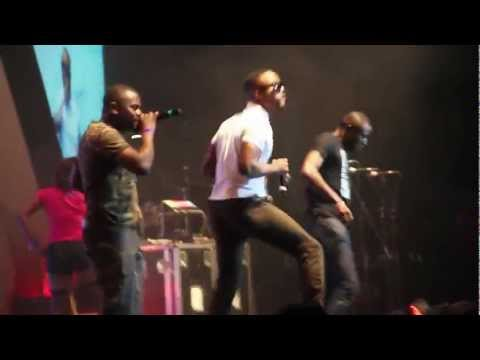 0 VIDEO: Iyanyas Performance At Davidos Album LaunchIyanya