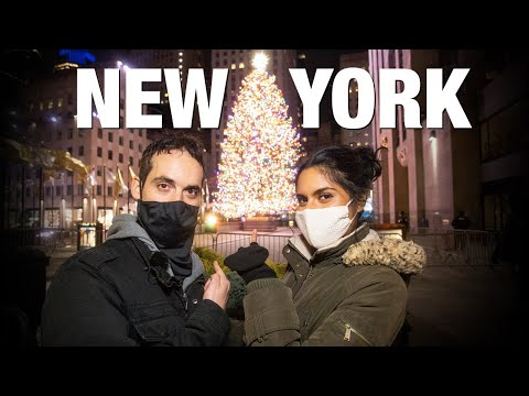 How's NYC Handling Christmas in 2020?🎅 Rockefeller Center Tree & Saks Fifth Ave Tour! видео