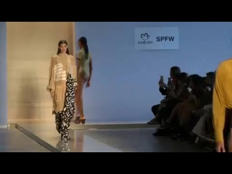Μαγιό και αέρινα υφάσματα στην εβδομάδα μόδας του Σάο Πάολο