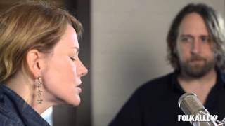 Folk Alley Sessions At 30A Hayes Carll & <b>Allison Moorer</b>  Love Dont Let Me Down