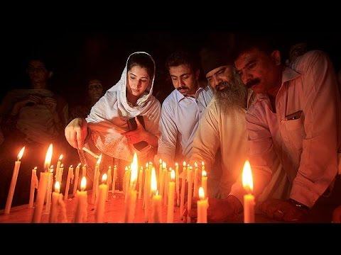 Πακιστάν: Θρήνος και οργή των συγγενών κατά της κυβέρνησης
