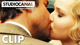 Nonton Serena Clip  1   Jennifer Lawrence And Bradley Cooper Share A Passionate Kiss In Serena Film Subtitle Indonesia Streaming Movie Download