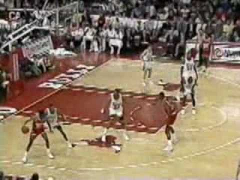 Rockets end Bulls' homecourt dominance in 1991 - Jordan vs Mad Max