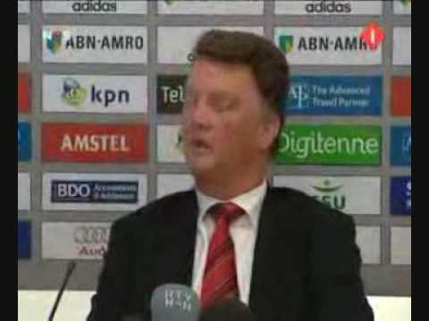 Van Gaal over Pokemon (voice-over)